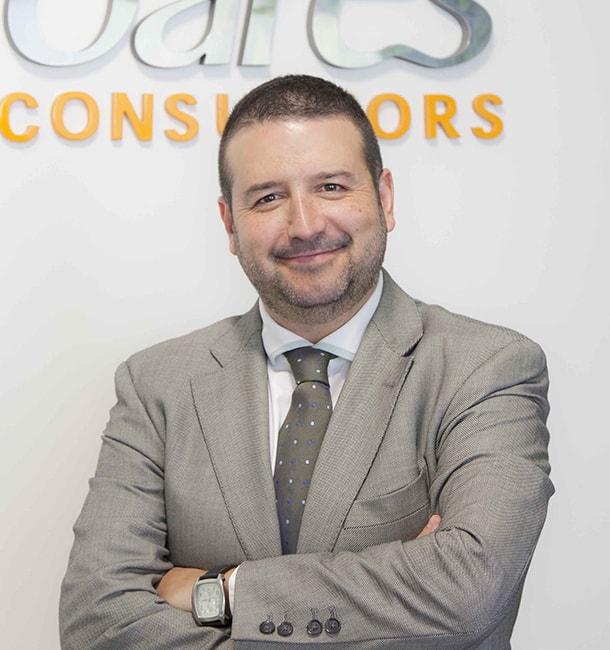 Isaac Joares, Joares Consultores