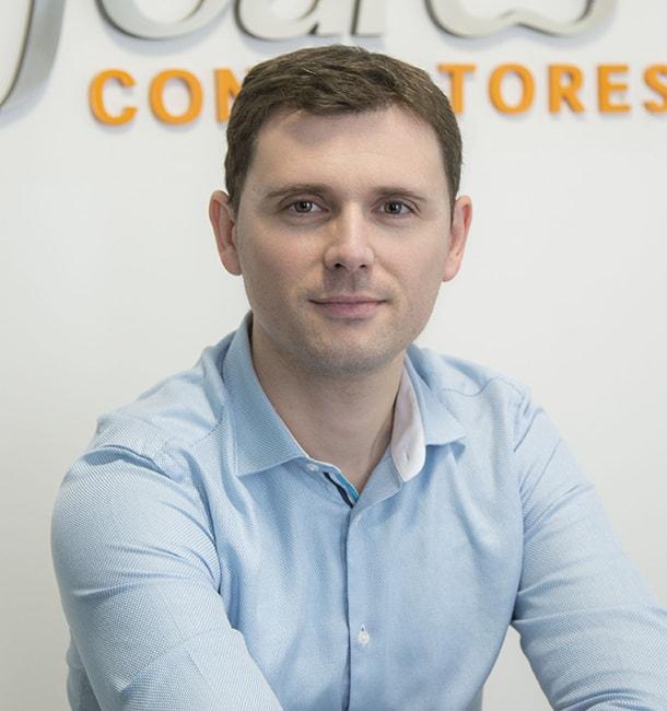 Raul Monzo, Joares Consultores